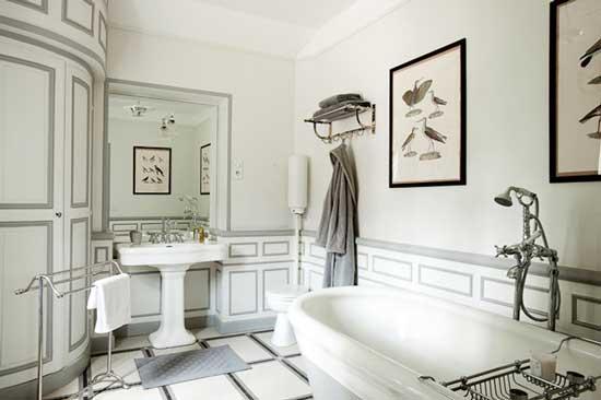 alexis toureau white vintage bathroom