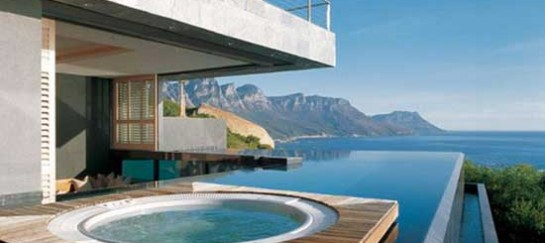 Inspiring Minimal Living Space Designs (11 Images)
