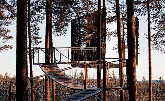 Treehotel Sweden Mirrorcube Exterior