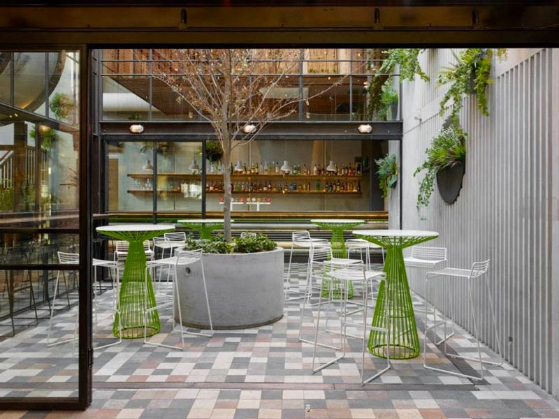 outdoor table and chairs at Prahran Hotel in Victoria