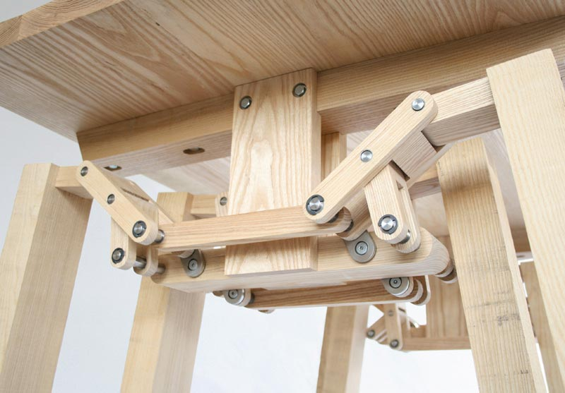 bottom view of the Walking Table by Wouter Scheublin