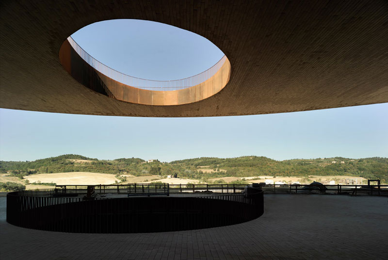 Dome and beginning of the staircase at the Antinori Winery by Archea Associati