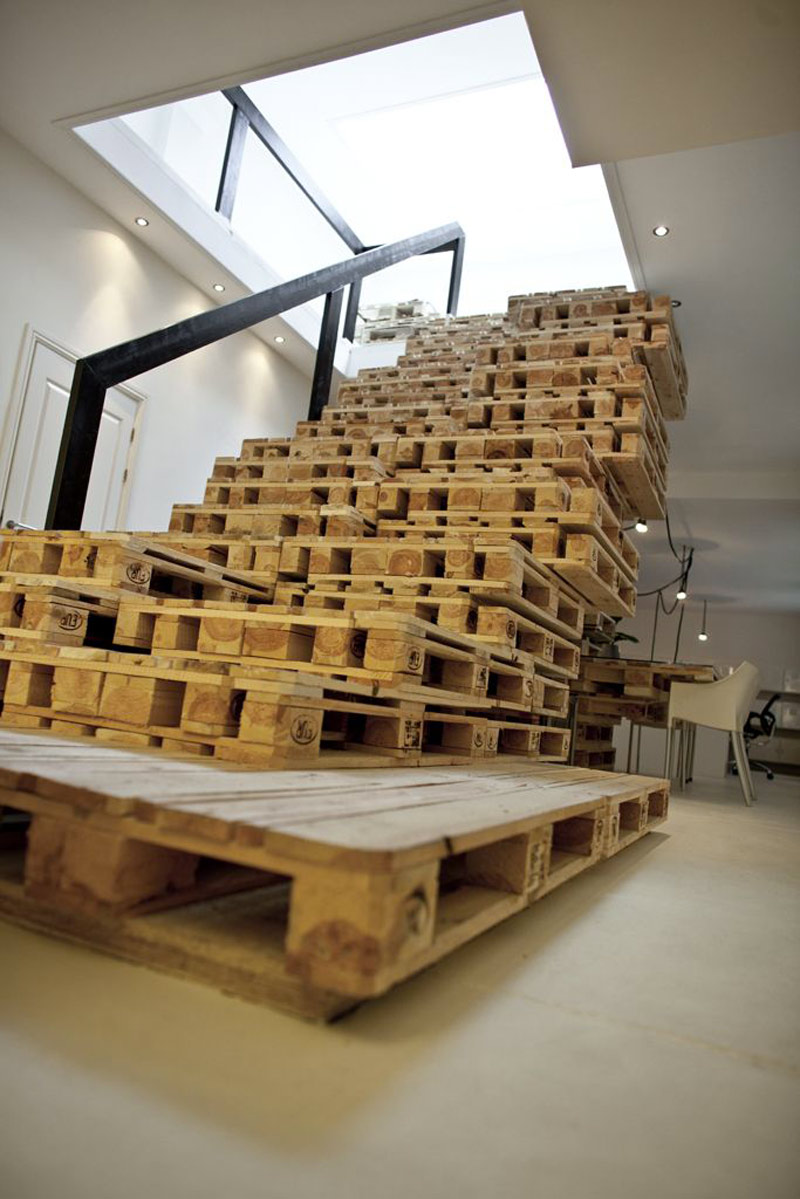 Pallet stairs at the Brandbase Pallet Office by MOST Architecture