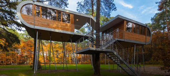 BAUMRAUM'S TREEHOUSE RETREAT IN BELGIUM