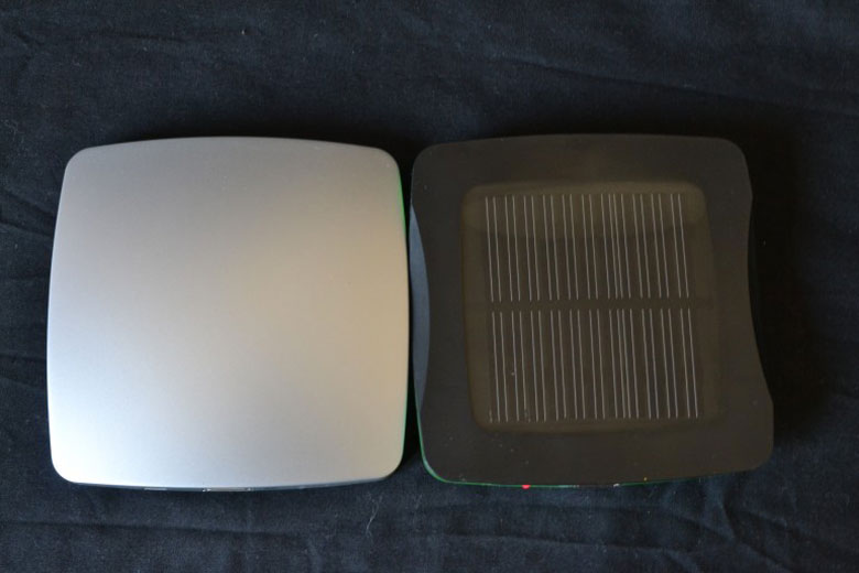 Front and back view of the Window Solar Phone Charger by XD Design