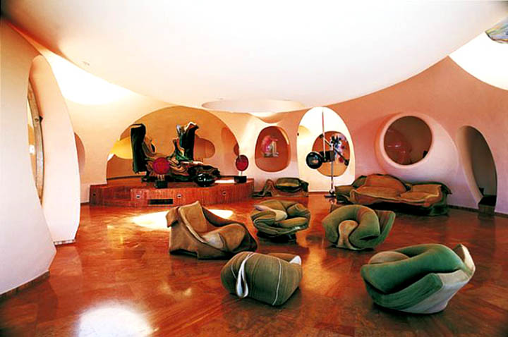 Lounge area at the palais bulles, palace of bubbles Pierre Cardin house by antti lovag in Cannes