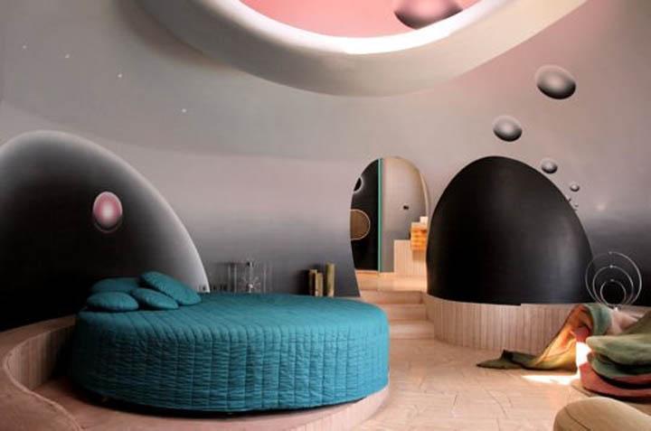 39 palais bulles 39 pierre cardin s bubble house by antti lovag video - Palais bulles de pierre cardin ...