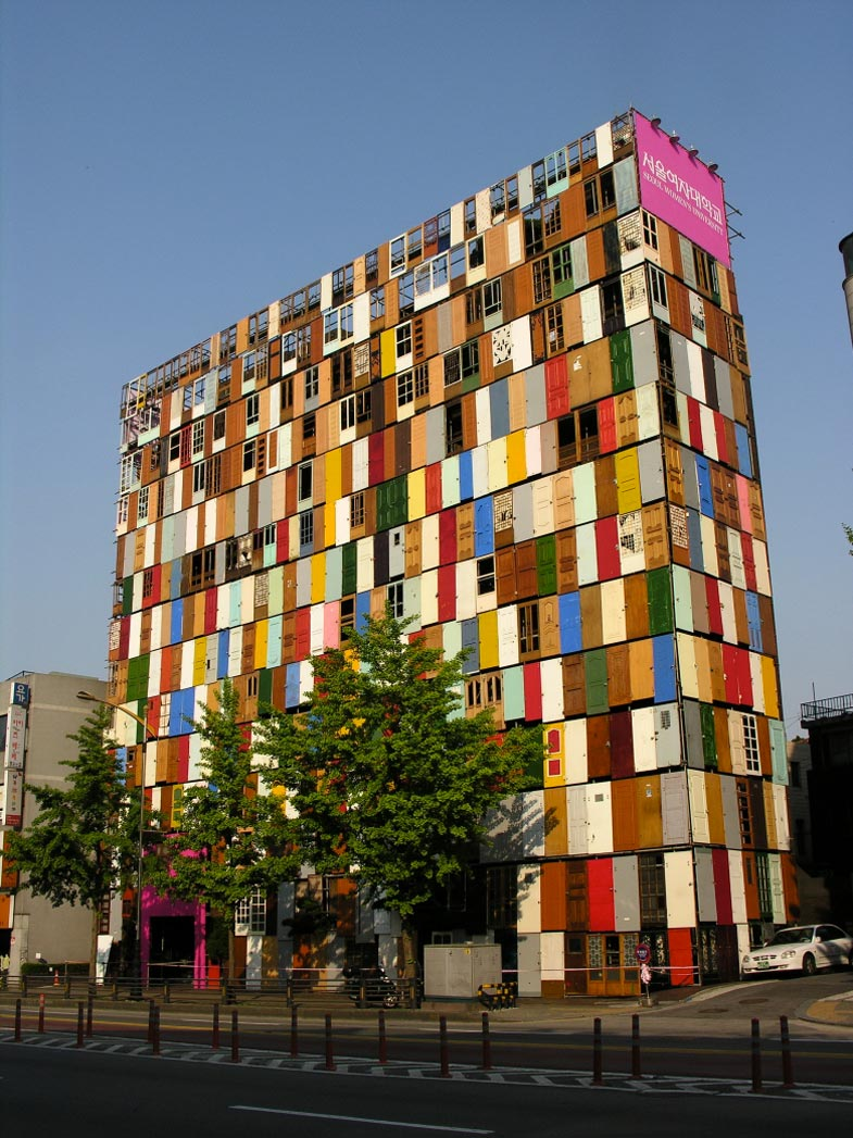 Seoul In Black And White: 1,000 Doors Building In Seoul By Choi Jeong-Hwa