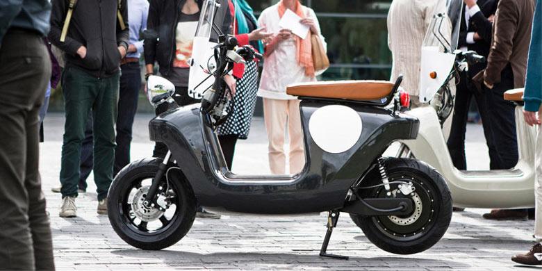 Black Be.e Hemp Electric Scooter by Vaneko
