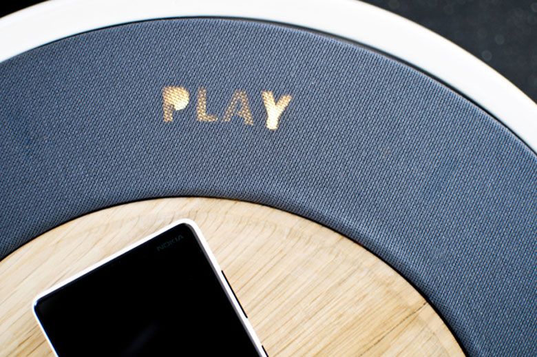 Play display on top of the Ceramic Speaker for Smartphones by Victor Johansson