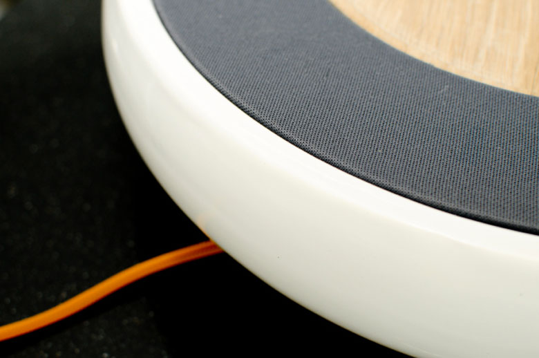 Power cord and view of the side of the Ceramic Speaker for Smartphones by Victor Johansson