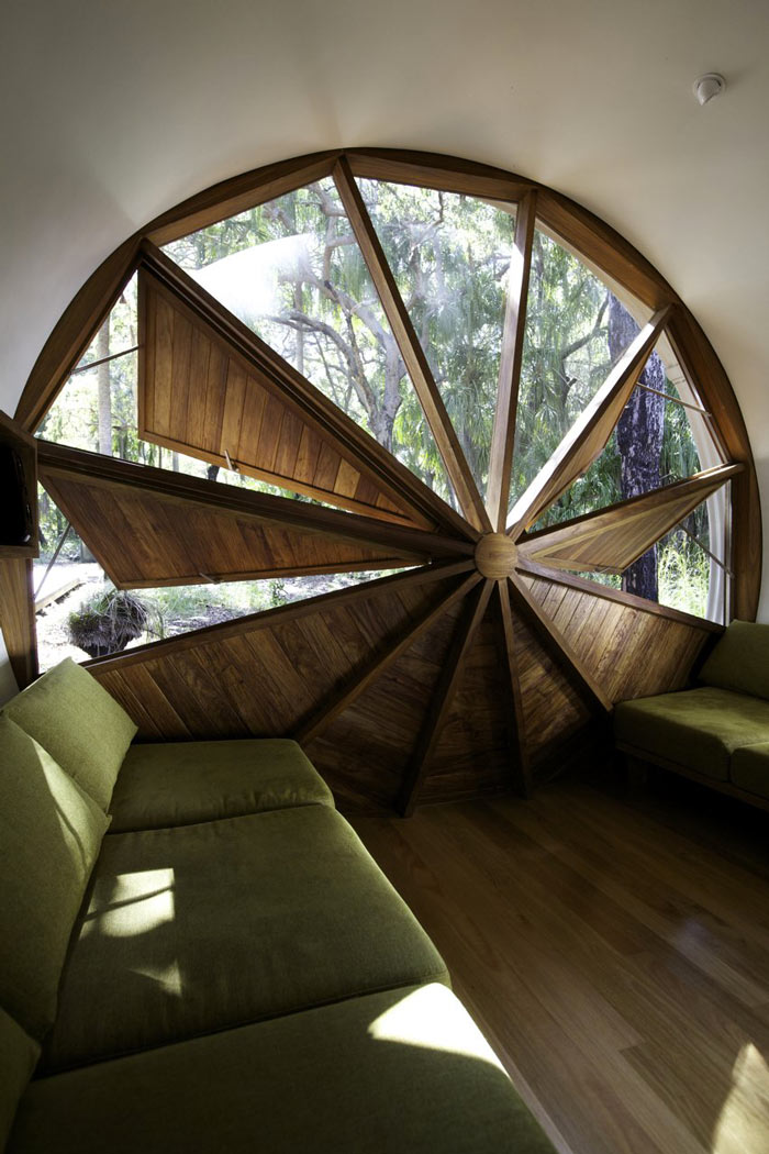 Triangular ventilation at the Drew House by Simon Hills of Anthill Constructions