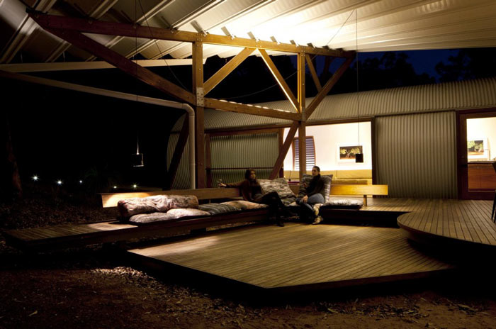 Patio terrace area of the Drew House by Simon Hills of Anthill Constructions