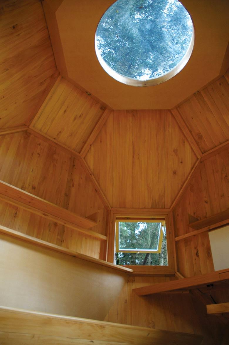 Interior view of the Habitable Polyhedron Garden Office by Manuel Villa