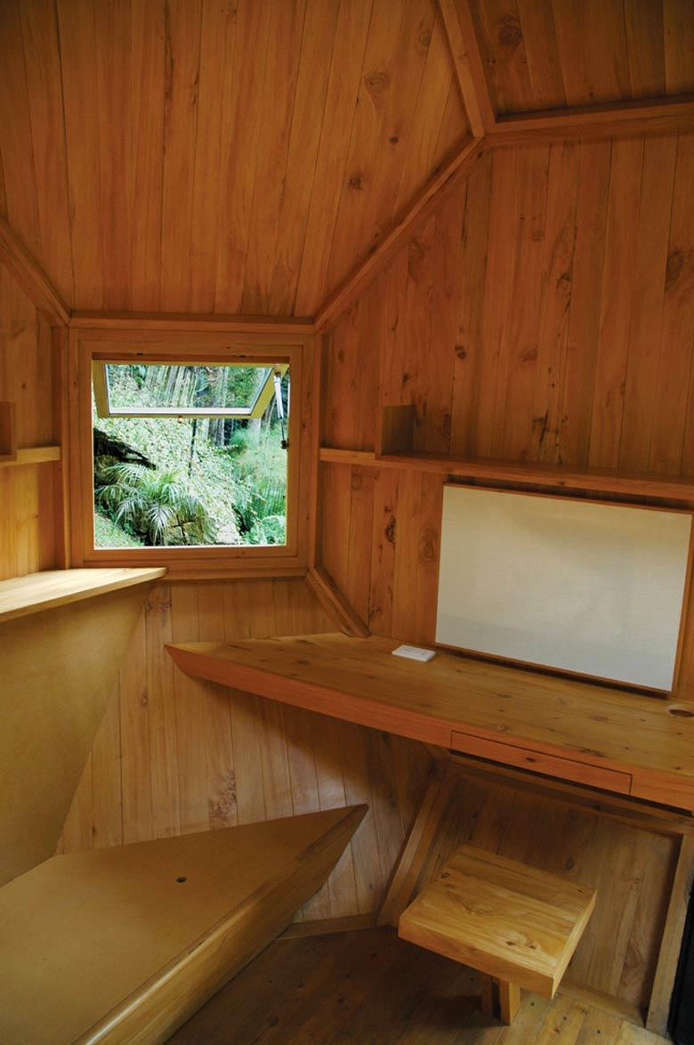 Interior design of the Habitable Polyhedron Garden Office by Manuel Villa