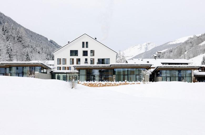 Front view of the Hotel Wiesergut in Hinterglemm Austria by Gogl Architekten