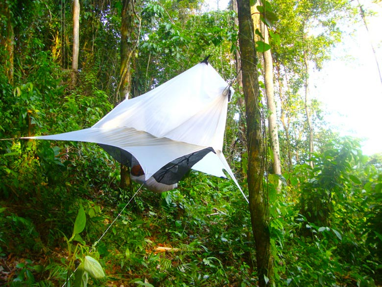 Nube Hammock Shelter by Sierra Madre in use in nature