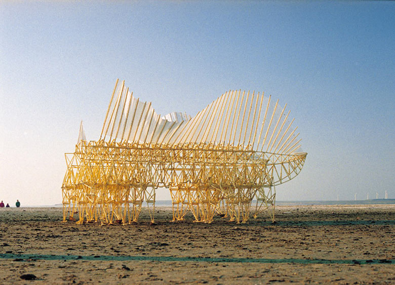 Strandbeest kinetic animal sculptures by Theo Jansen 4