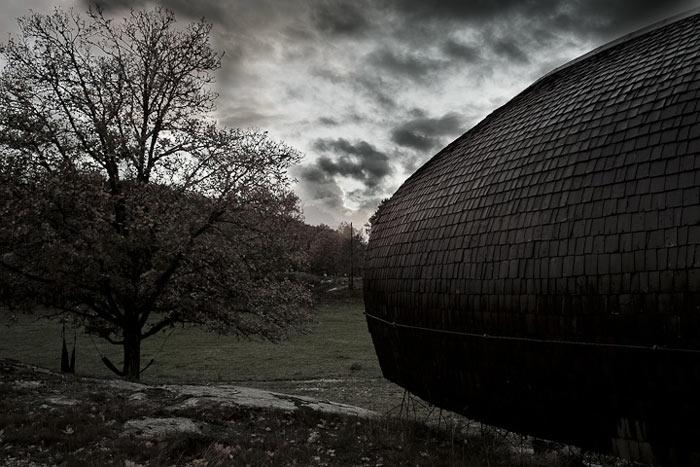 Curved Hus-1 by Torsten Ottesjo Architecture