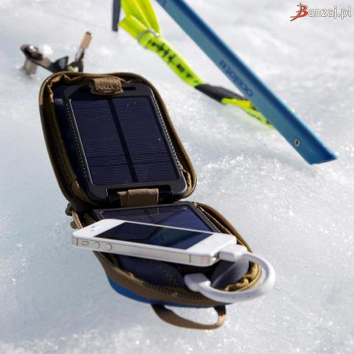 SolarMonkey Adventurer by Powertraveller outdoors