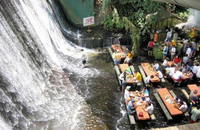 Villa escudero resort waterfall restaurant philippines for Waterfall restaurant design