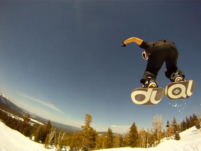 Dual Snowboard airborn