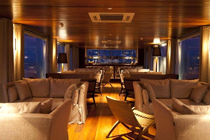 Lounge and bar on an Amazon Luxury Cruise