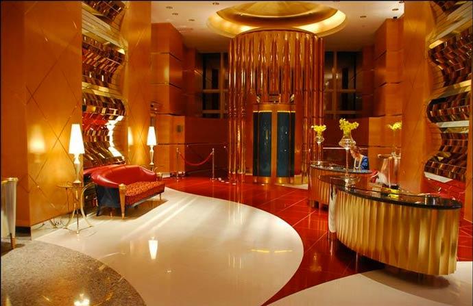 Burj al arab luxury hotel in dubai for Luxury places in dubai