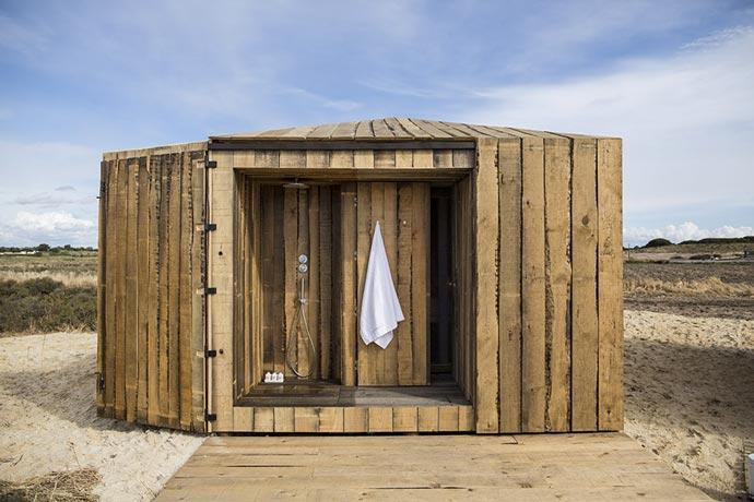 Outdoor shower at CABANAS NO RIO