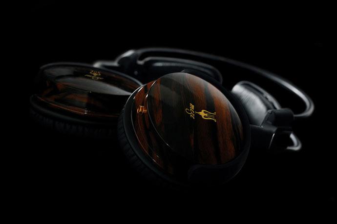 Side view of the Meze 88 Classics Headphones