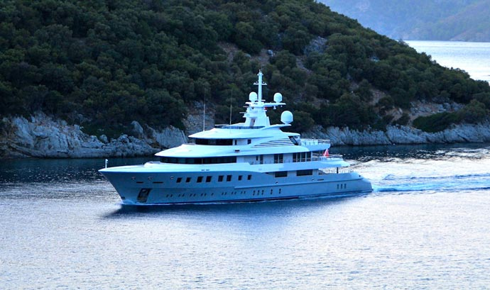 Red Square Superyacht by Dunya Yachts 11