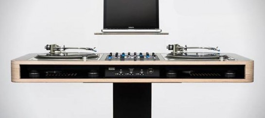 STEREO T DJ TABLE   BY HOERBOARD