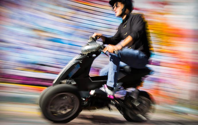 Electric Three Wheel Motorcycle by Sway