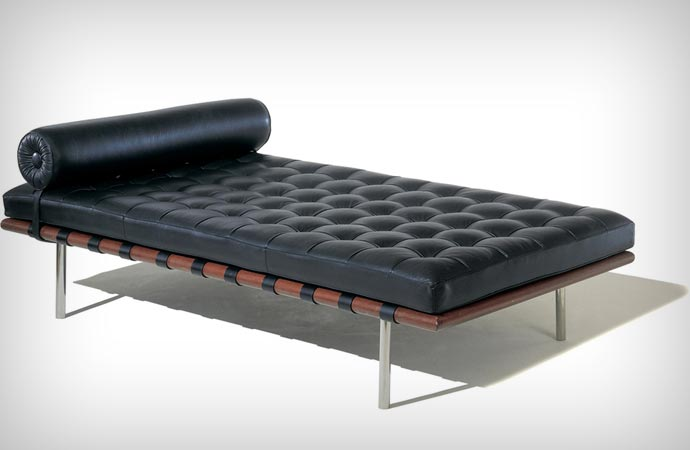 Barcelona Couch in black