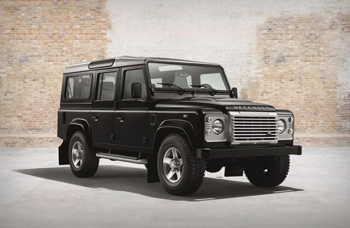 Land Rover Defender Black Pack
