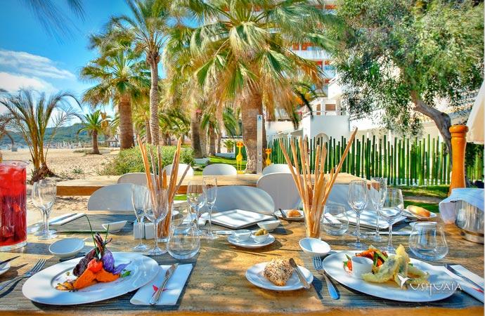 Dining at Ushuaia Ibiza beach hotel