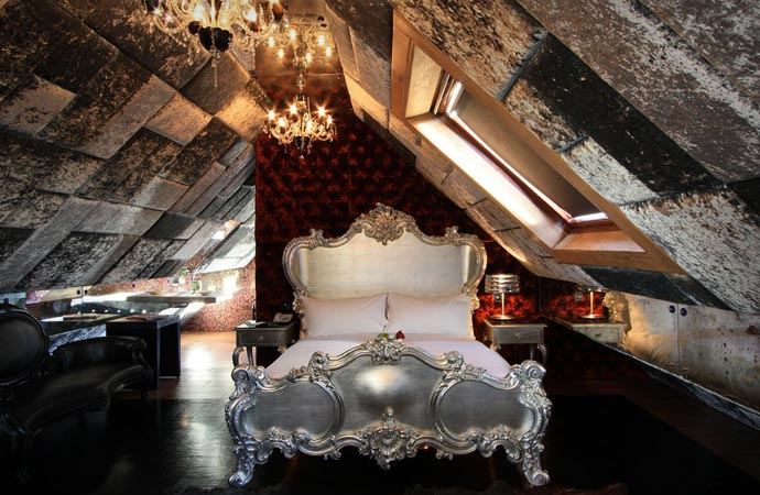 Room at the Crazy Bear Beaconsfield