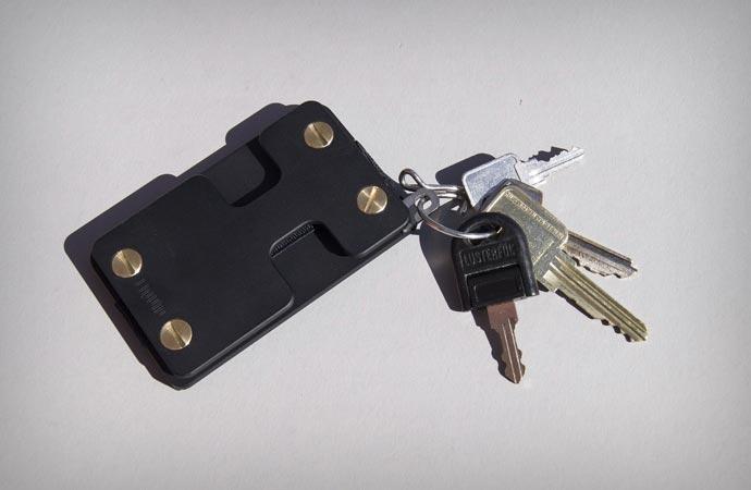 Liquid wallet key holder