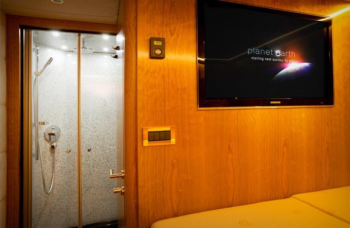 Room in the Mercedes-Benz Zetros
