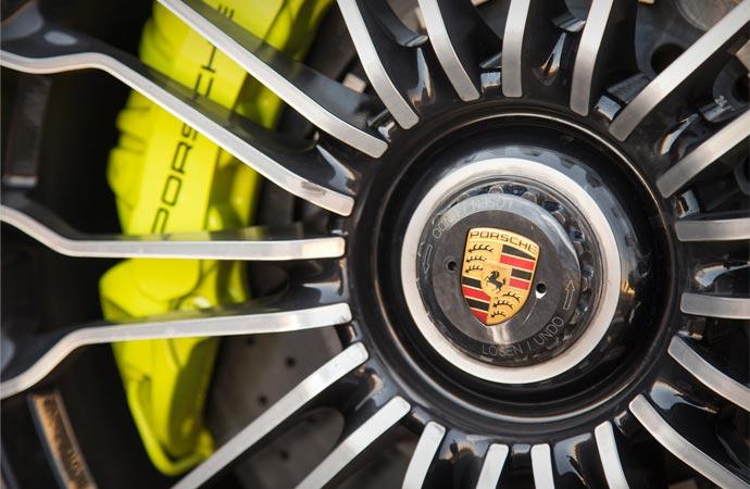 Porsche 918 wheel
