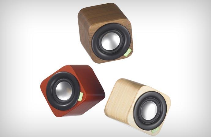 Vers Audio 1Q bluetooth speakers