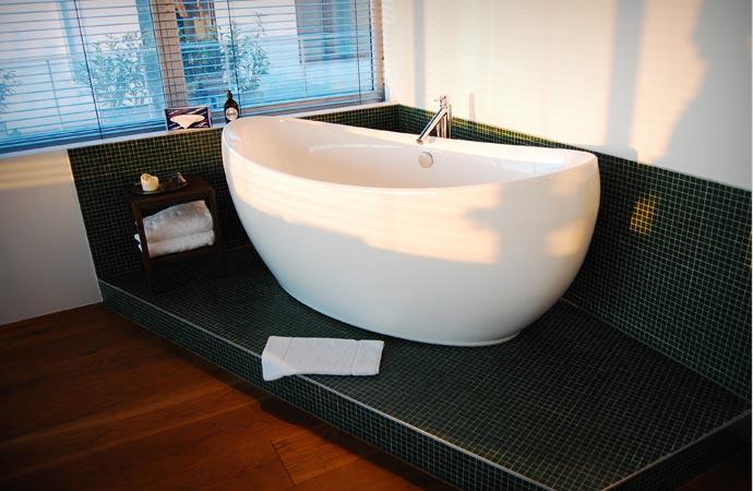 Bath tub at Hotel Daniel in Vienna