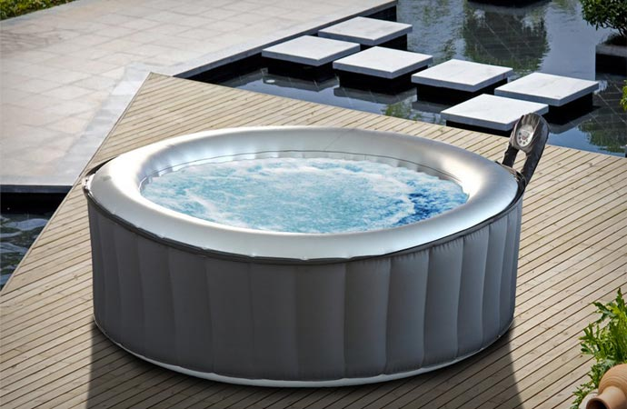 Portable inflatable spa