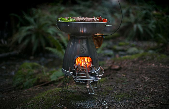 Camping stove with thermoelectric generator