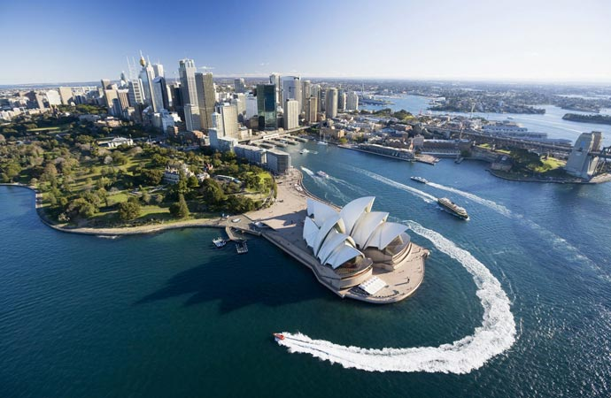Sydney Around the World Tour from Four Seasons