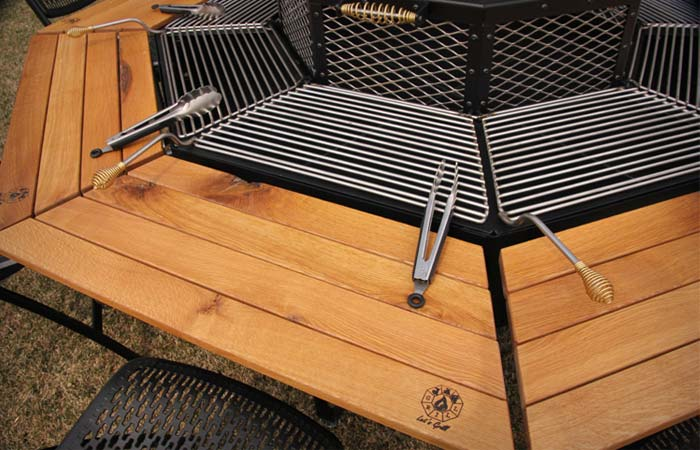 Jag Grill Table