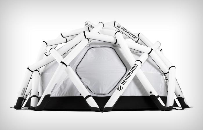 Inflatable expedition tent from Heimplanet
