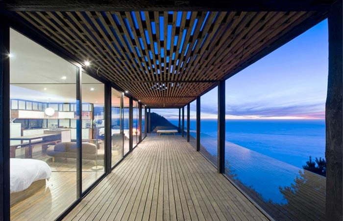 Casa Till patio deck of a cliff house