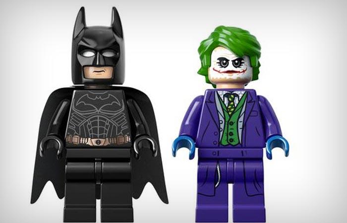 Lego Dark knight Tumbler figurines Batman and Joker