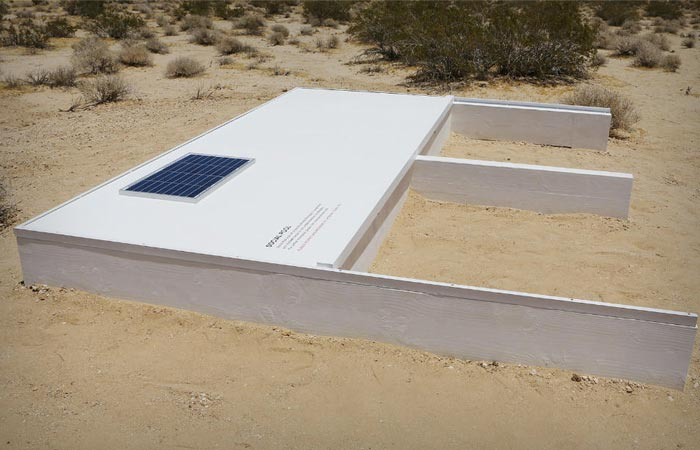 Social Pool : The Secret Swimming Pool in the Desert